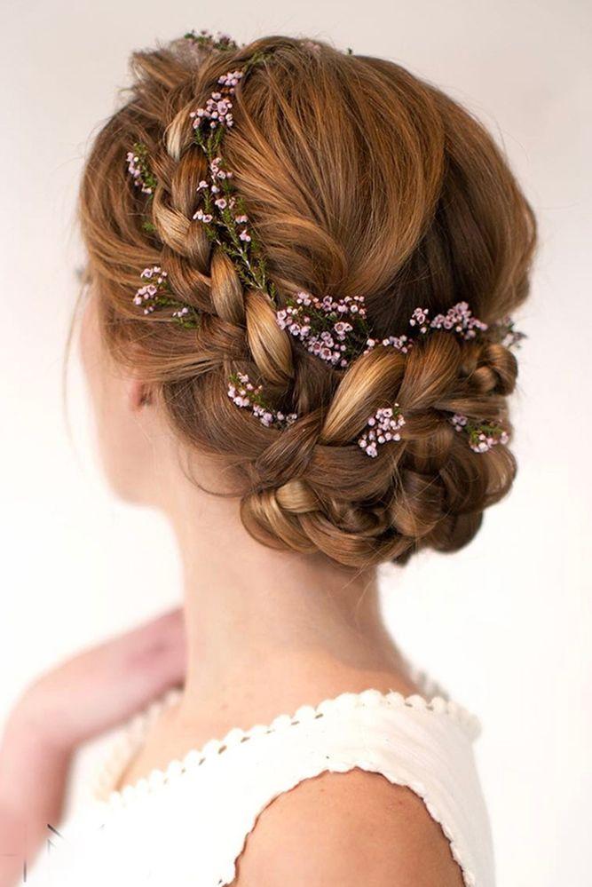Peinado elegante de matrimonio